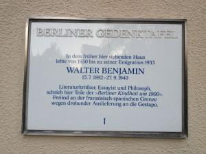 Gedenktafel in der Prinzregentenstraße 66 in Berlin.